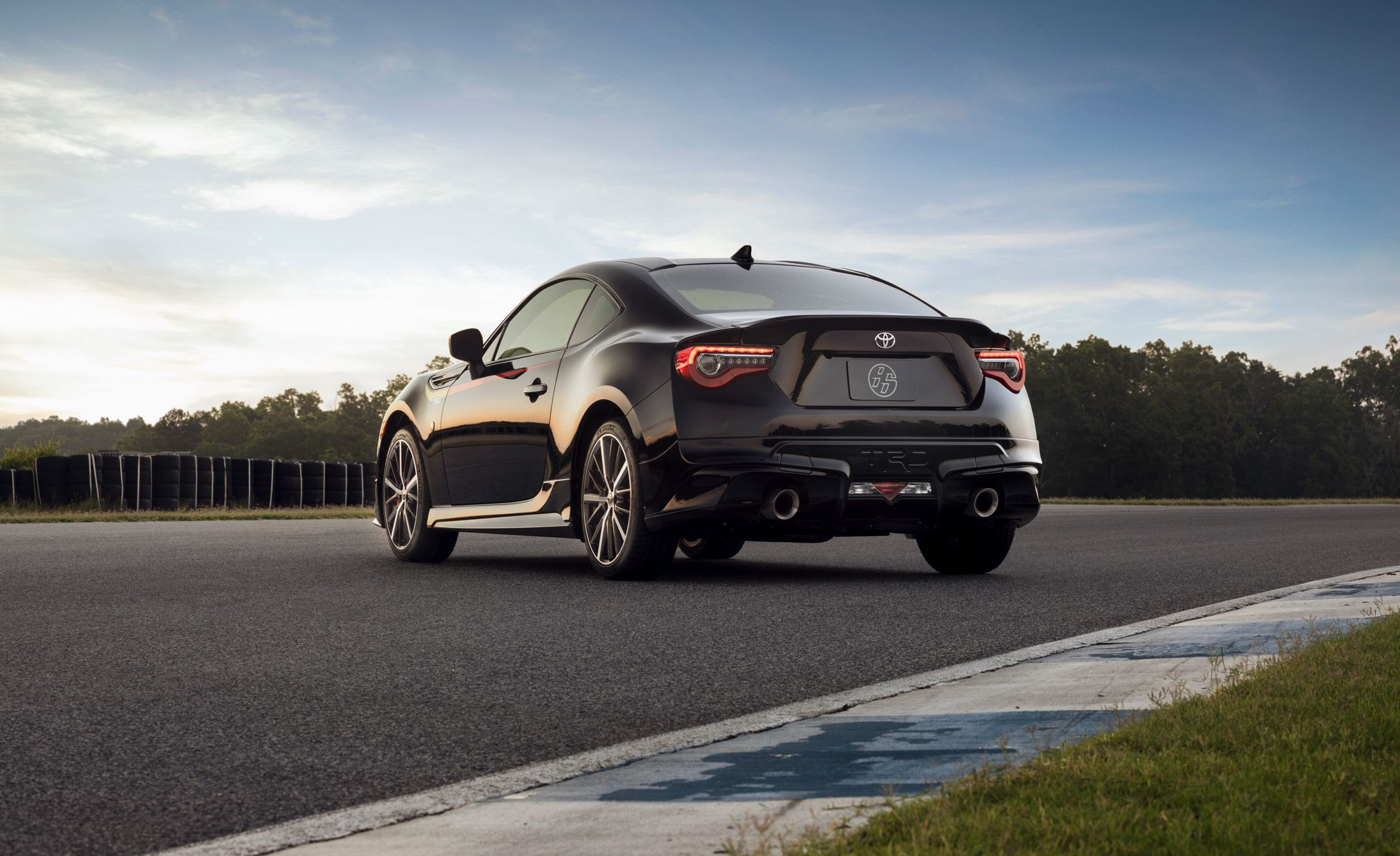 2019 Toyota 86 TRD Special Edition Rear Three-Quarter Wallpaper (15)