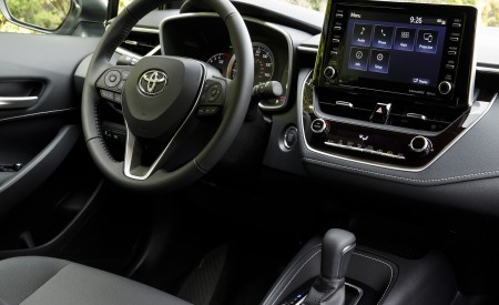 2019 Toyota Corolla Hatchback Central Console Wallpapers 450x275 (75)