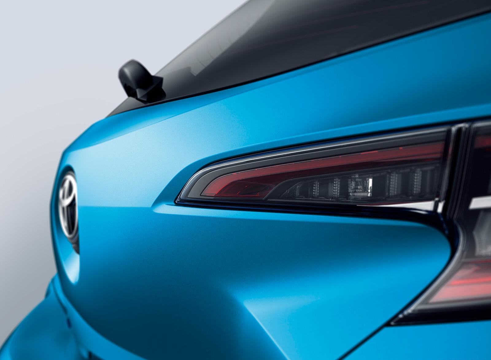 2019 Toyota Corolla Hatchback Detail Wallpaper (14)