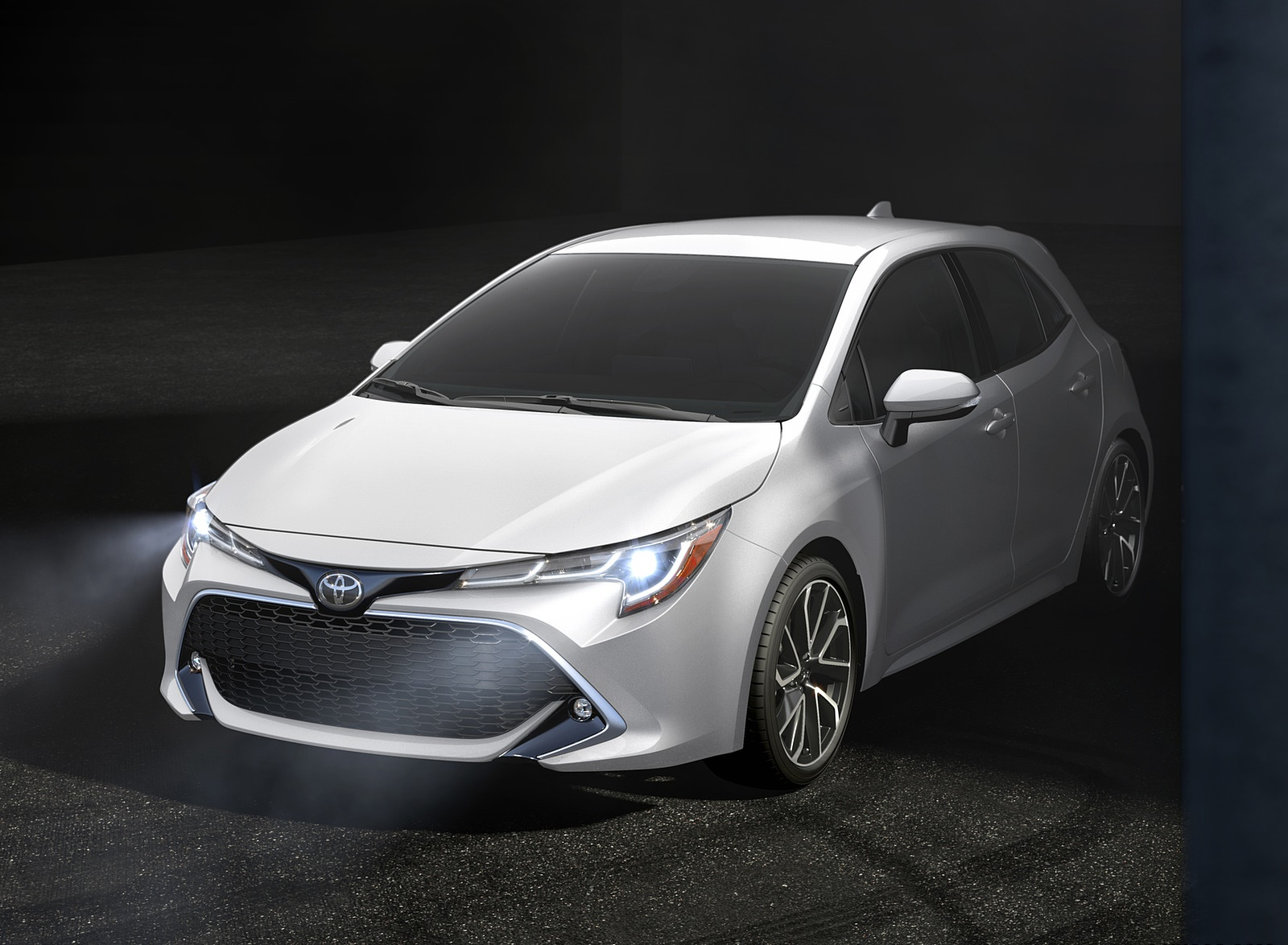 2019 Toyota Corolla Hatchback Front Three-Quarter Wallpapers (10)