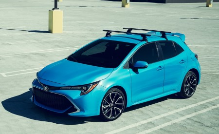 2019 Toyota Corolla Hatchback Front Three-Quarter Wallpapers 450x275 (9)