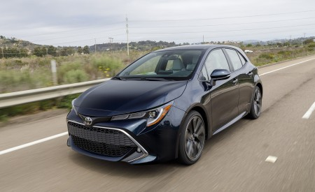 2019 Toyota Corolla Hatchback Front Three-Quarter Wallpapers 450x275 (51)