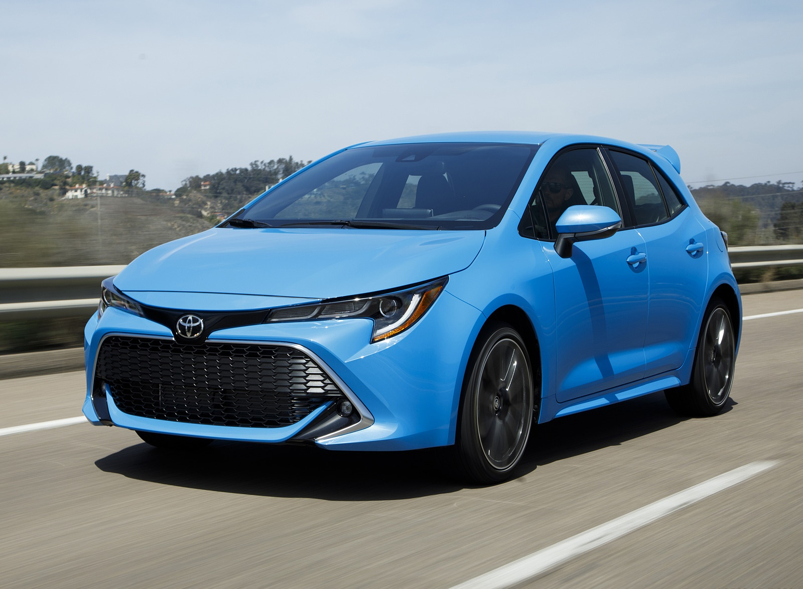 2019 Toyota Corolla Hatchback Front Three-Quarter Wallpapers #22 of 75