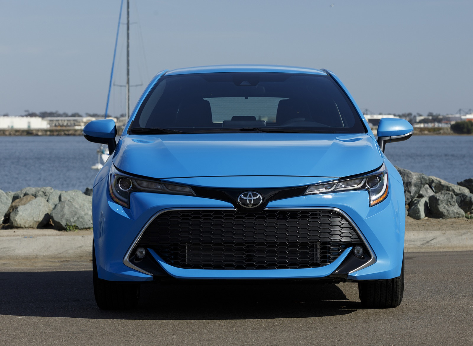 2019 Toyota Corolla Hatchback Front Wallpapers #33 of 75