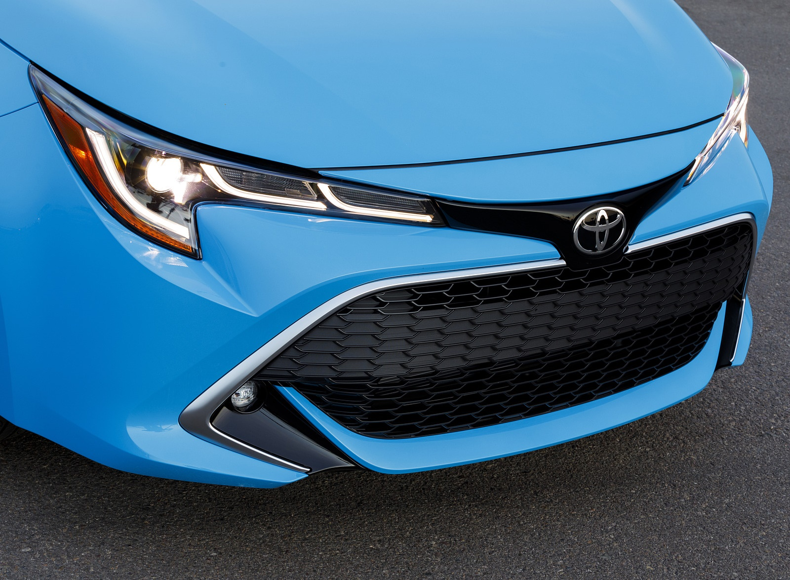 2019 Toyota Corolla Hatchback Grill Wallpapers #36 of 75