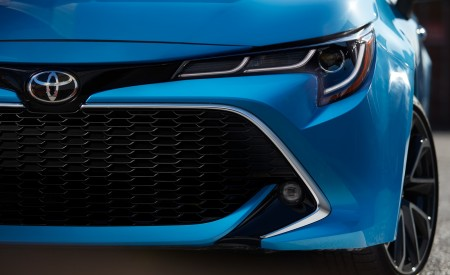 2019 Toyota Corolla Hatchback Grill Wallpapers 450x275 (13)