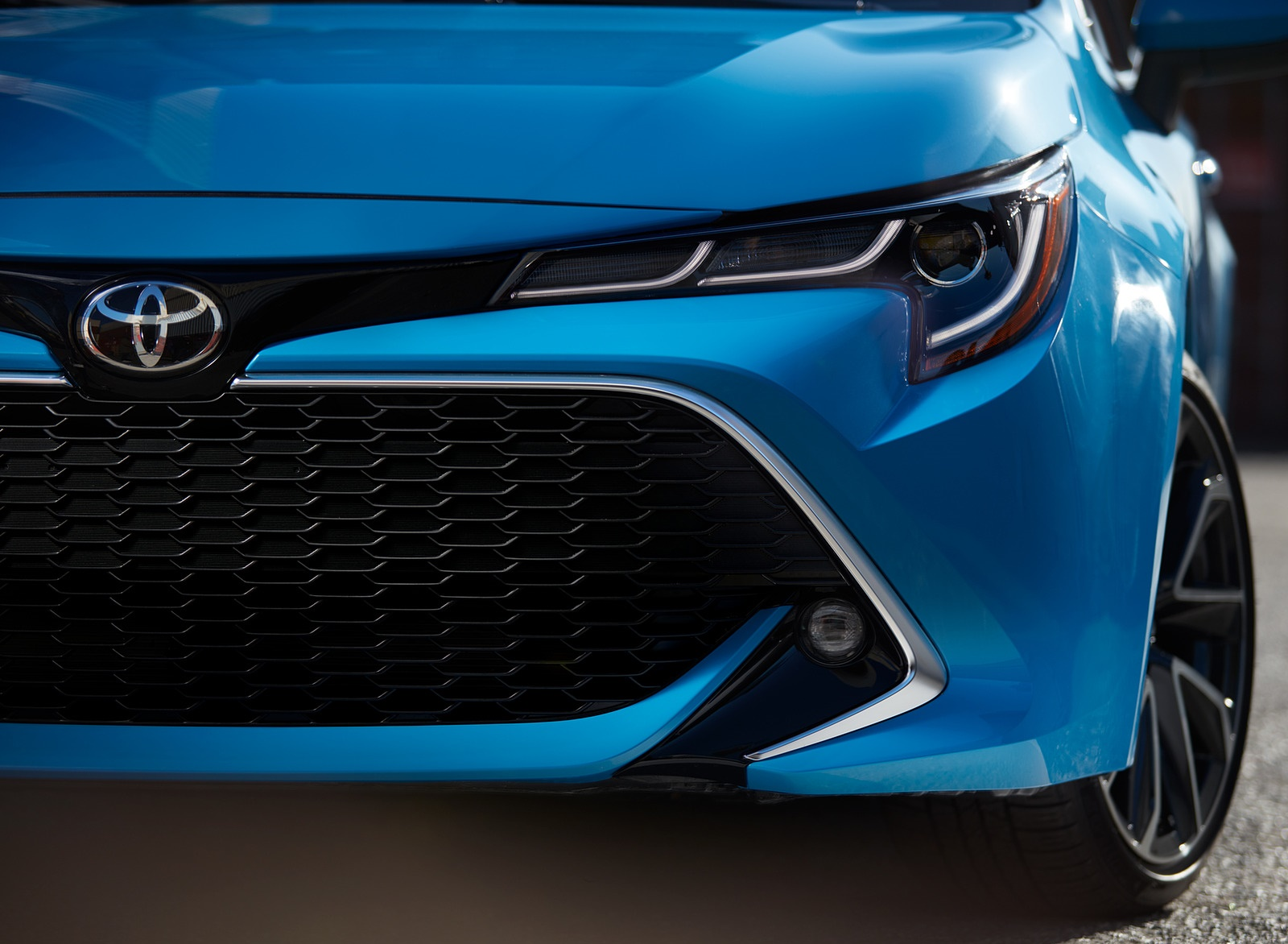 2019 Toyota Corolla Hatchback Grill Wallpaper (13)