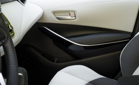 2019 Toyota Corolla Hatchback Interior Detail Wallpapers 450x275 (45)