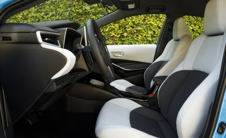 2019 Toyota Corolla Hatchback Interior Seats Wallpapers 450x275 (43)