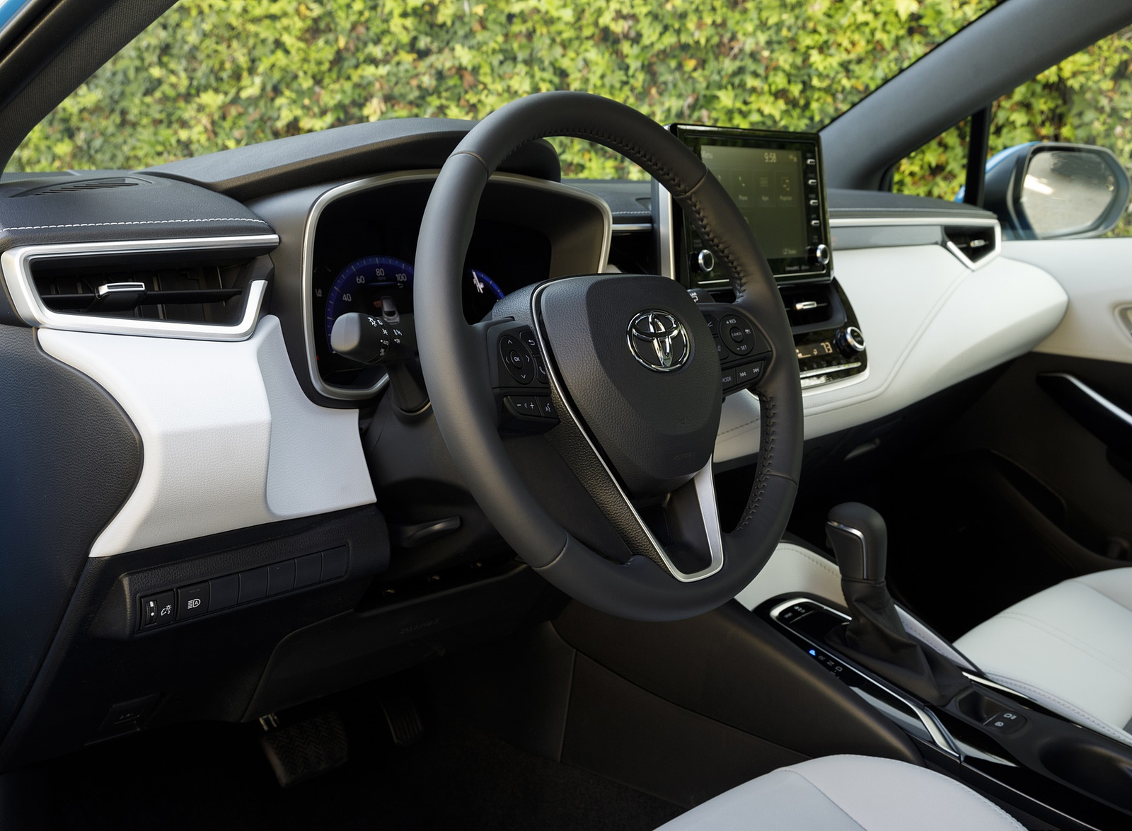 2019 Toyota Corolla Hatchback Interior Wallpapers #49 of 75