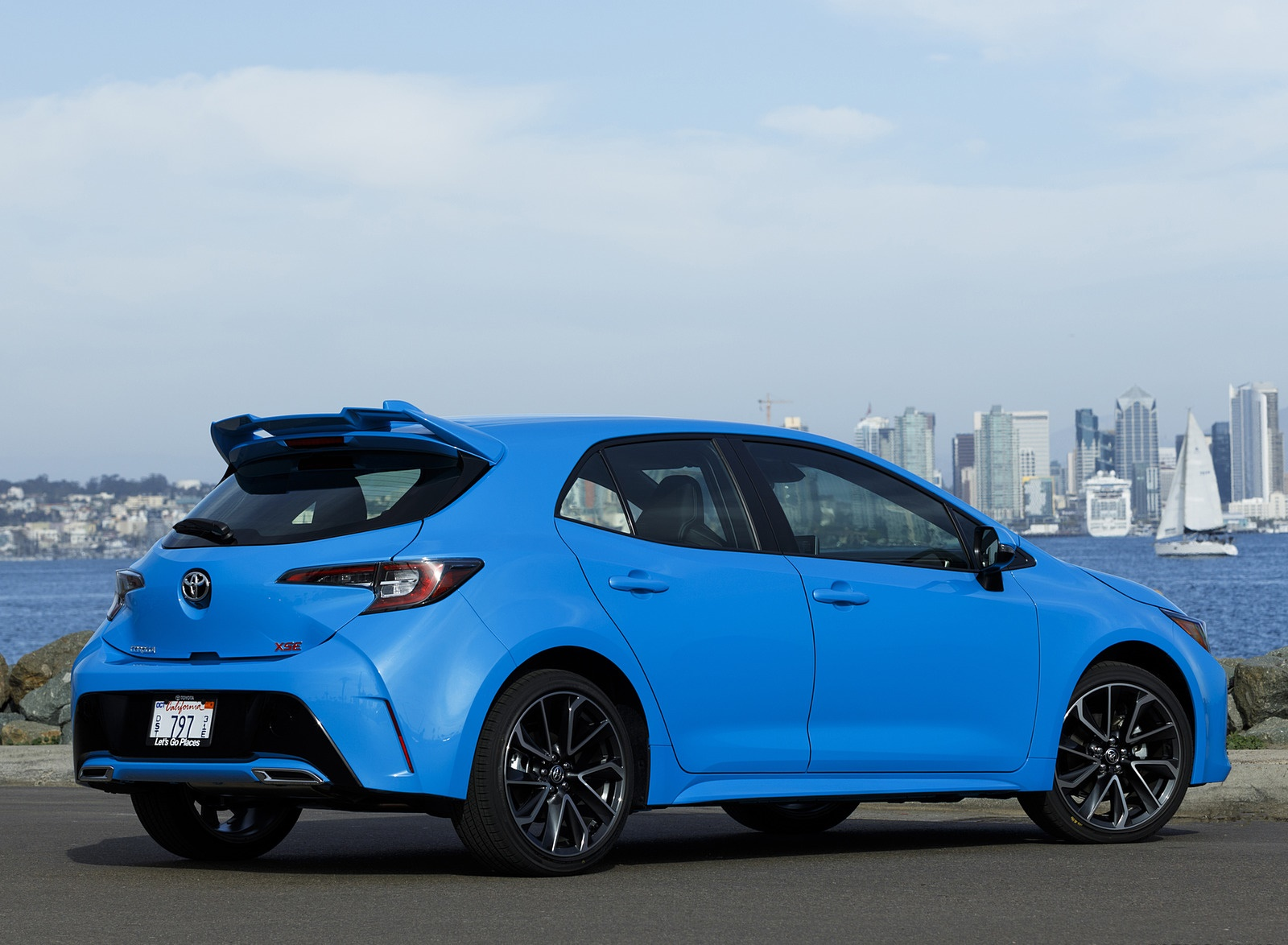 2019 Toyota Corolla Hatchback Rear Three-Quarter Wallpapers #30 of 75