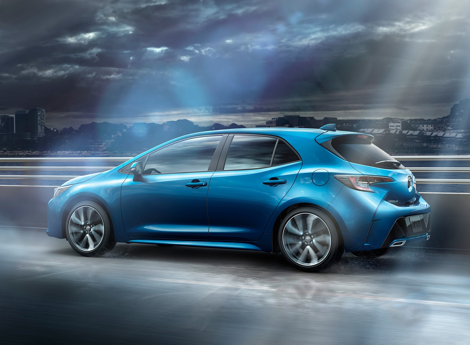 2019 Toyota Corolla Hatchback Side Wallpapers (5)