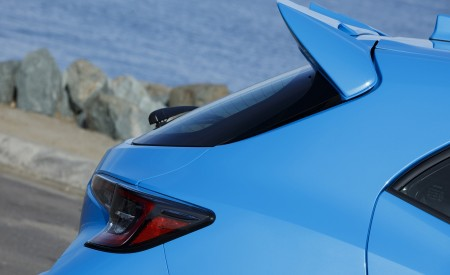 2019 Toyota Corolla Hatchback Spoiler Wallpapers 450x275 (38)