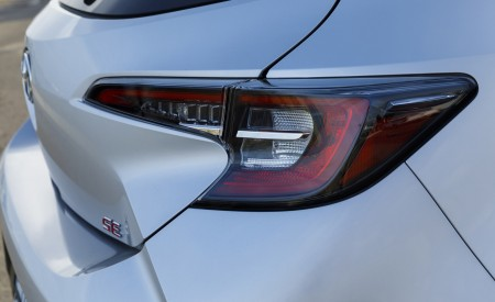2019 Toyota Corolla Hatchback Tail Light Wallpapers 450x275 (64)