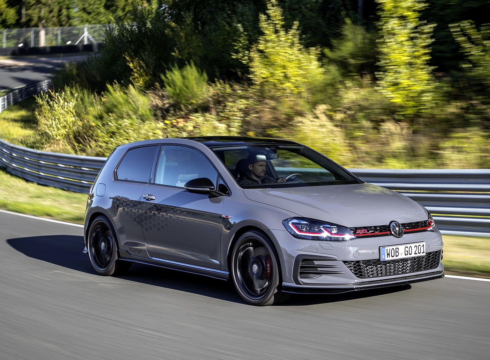 2019 Volkswagen Golf GTI TCR Front Three-Quarter Wallpapers (14)