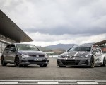 2019 Volkswagen Golf GTI TCR Front Three-Quarter Wallpapers 150x120 (11)