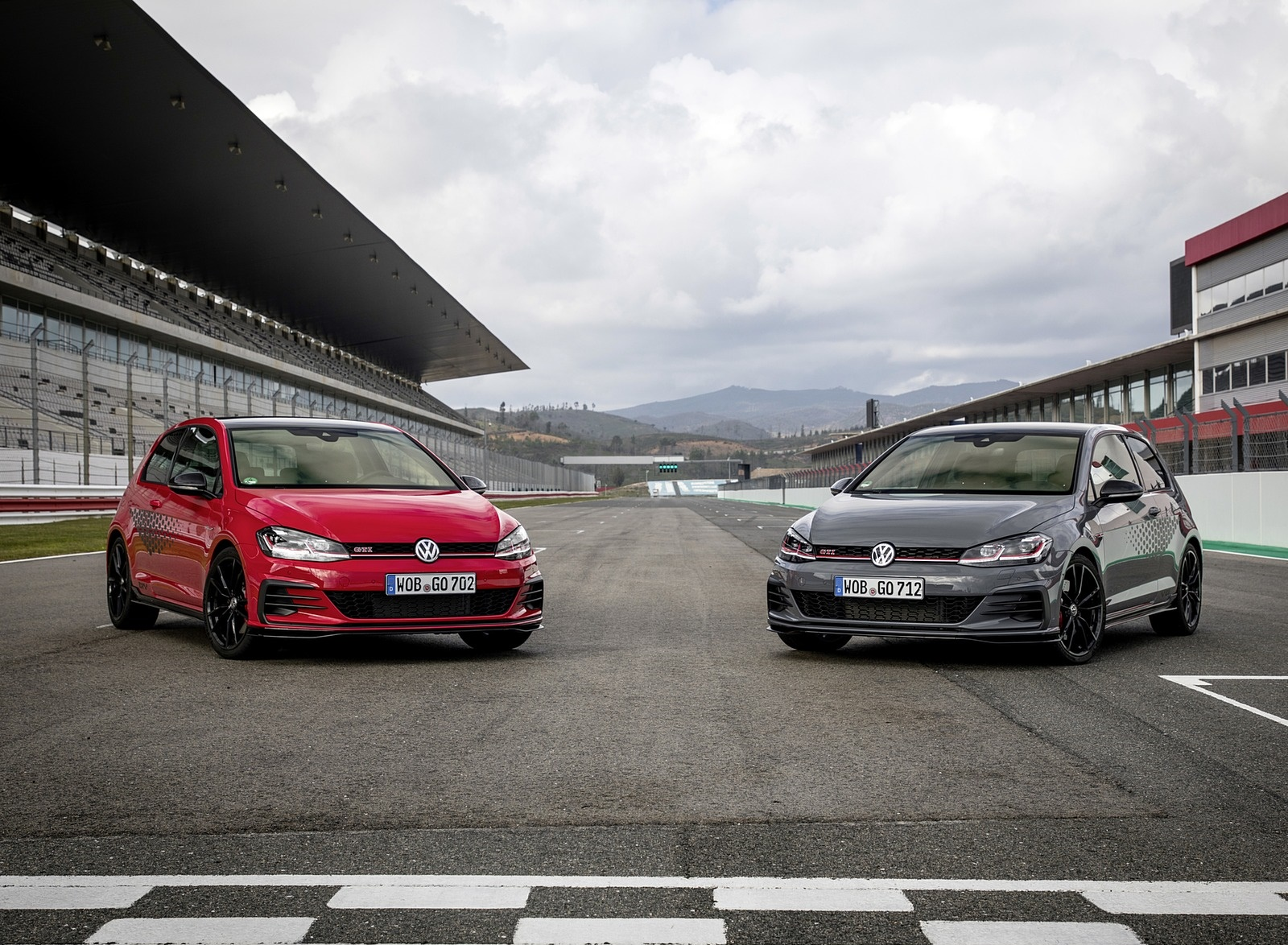 2019 Volkswagen Golf GTI TCR Front Wallpapers (10)
