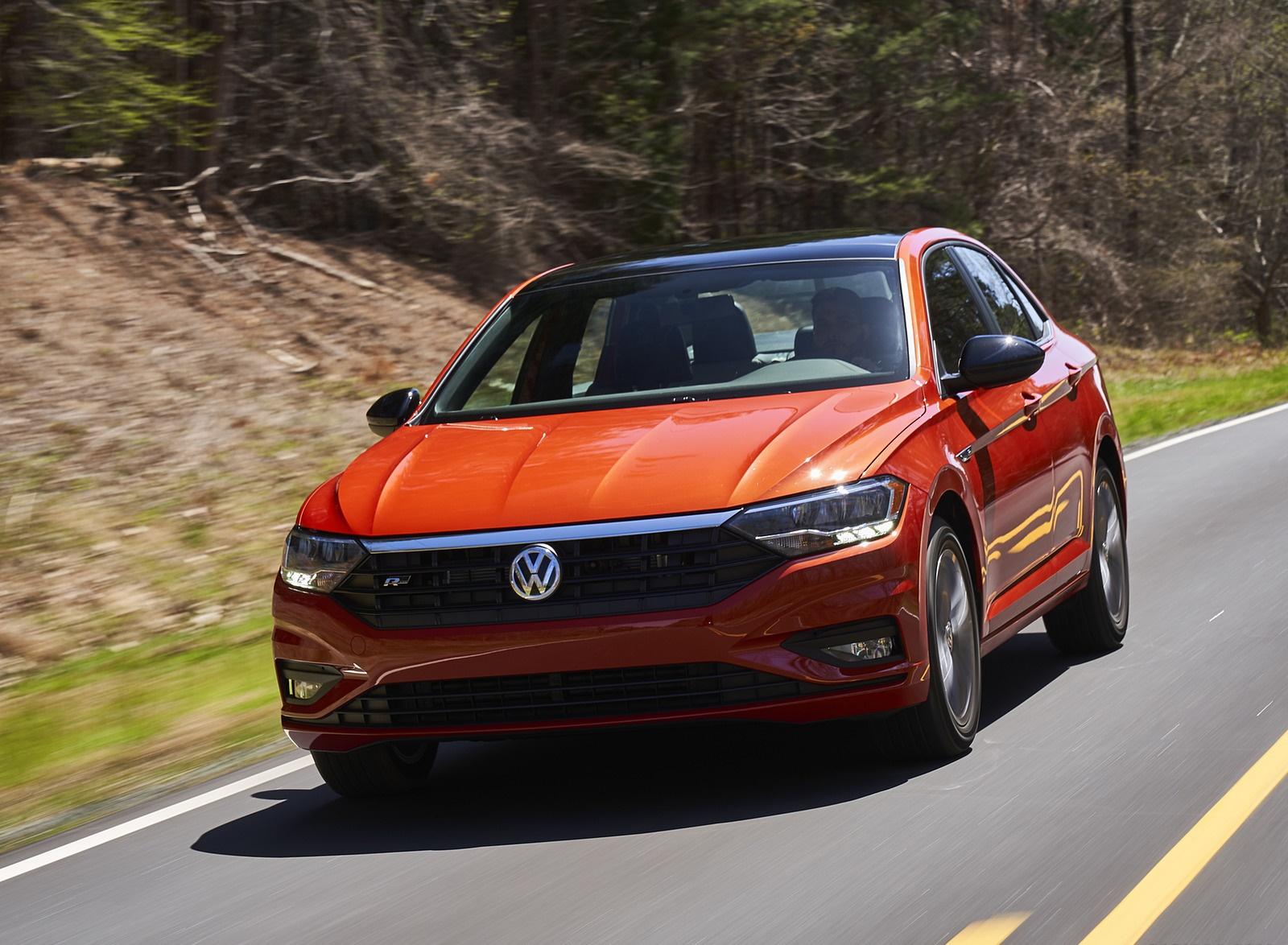 2019 Volkswagen Jetta R-Line Front Wallpapers (6)