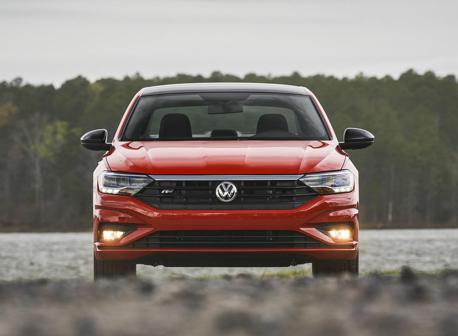 2019 Volkswagen Jetta R-Line Front Wallpapers (7)