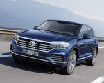 2019 Volkswagen Touareg Elegance Front Three-Quarter Wallpapers 150x120 (37)