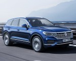 2019 Volkswagen Touareg Elegance Front Three-Quarter Wallpapers 150x120 (38)