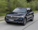 2019 Volkswagen Touareg Elegance Front Three-Quarter Wallpapers 150x120 (32)