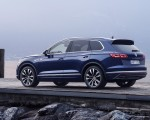 2019 Volkswagen Touareg Elegance Rear Three-Quarter Wallpapers 150x120 (49)