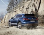 2019 Volkswagen Touareg Elegance Rear Three-Quarter Wallpapers 150x120 (42)