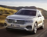2019 Volkswagen Touareg Front Three-Quarter Wallpapers 150x120 (20)