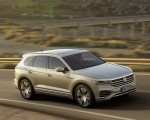2019 Volkswagen Touareg Front Three-Quarter Wallpapers 150x120 (18)