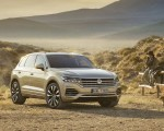 2019 Volkswagen Touareg Front Wallpapers 150x120 (21)