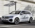 2019 Volkswagen Touareg R-Line Front Three-Quarter Wallpapers 150x120 (3)