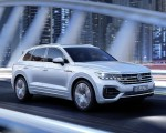 2019 Volkswagen Touareg R-Line Front Three-Quarter Wallpapers 150x120 (7)