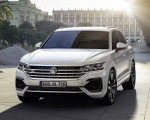 2019 Volkswagen Touareg R-Line Front Wallpapers 150x120 (4)