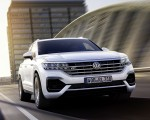 2019 Volkswagen Touareg R-Line Front Wallpapers 150x120 (1)
