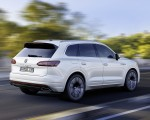2019 Volkswagen Touareg R-Line Rear Three-Quarter Wallpapers 150x120 (2)