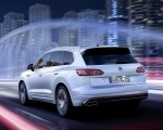 2019 Volkswagen Touareg R-Line Rear Three-Quarter Wallpapers 150x120 (8)