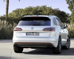 2019 Volkswagen Touareg R-Line Rear Wallpapers 150x120 (6)