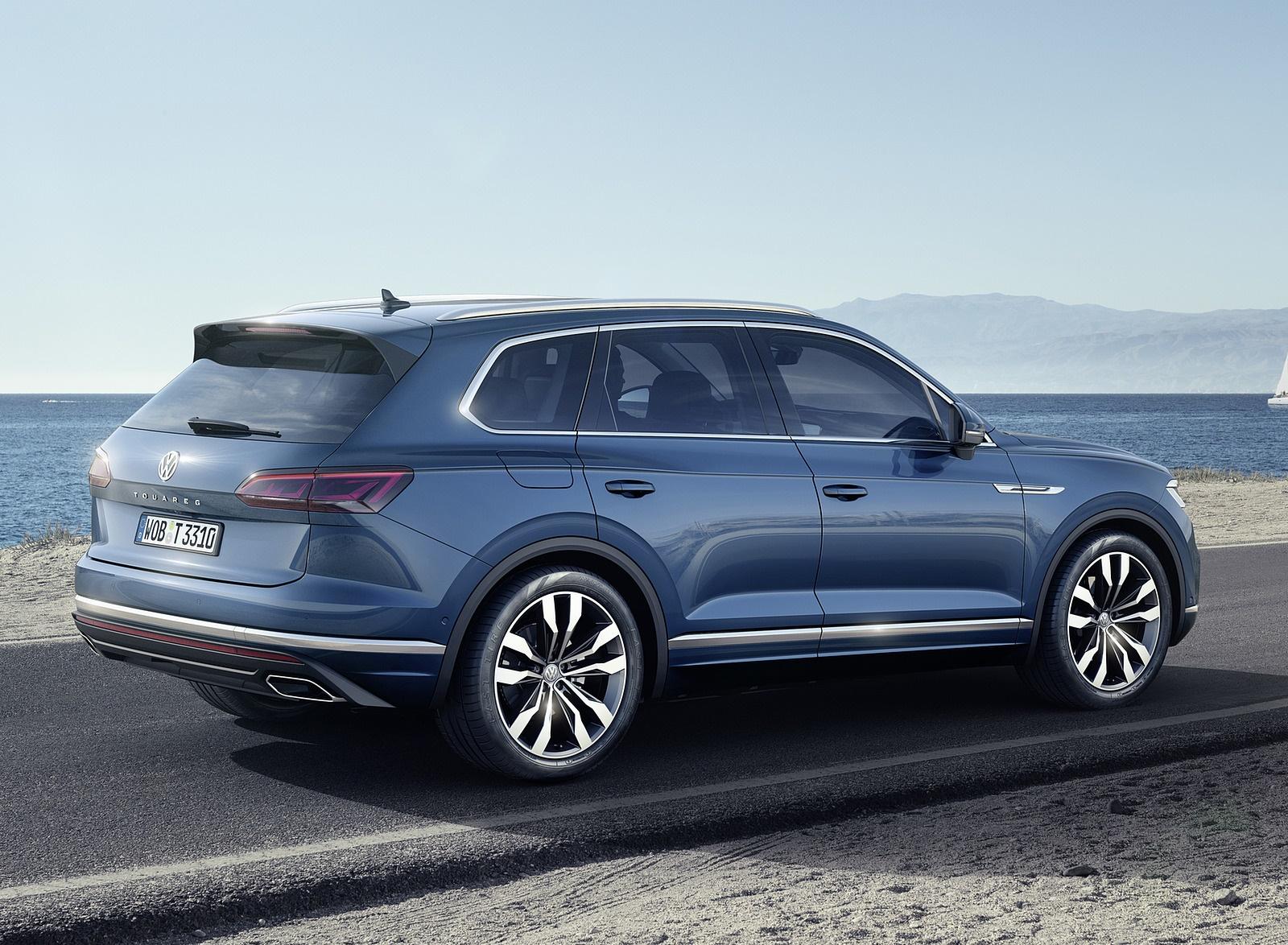 2019 Volkswagen Touareg Rear Three-Quarter Wallpaper (13)