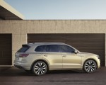 2019 Volkswagen Touareg Side Wallpapers 150x120 (24)