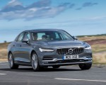 2019 Volvo S90 D4 Front Three-Quarter Wallpapers 150x120 (31)