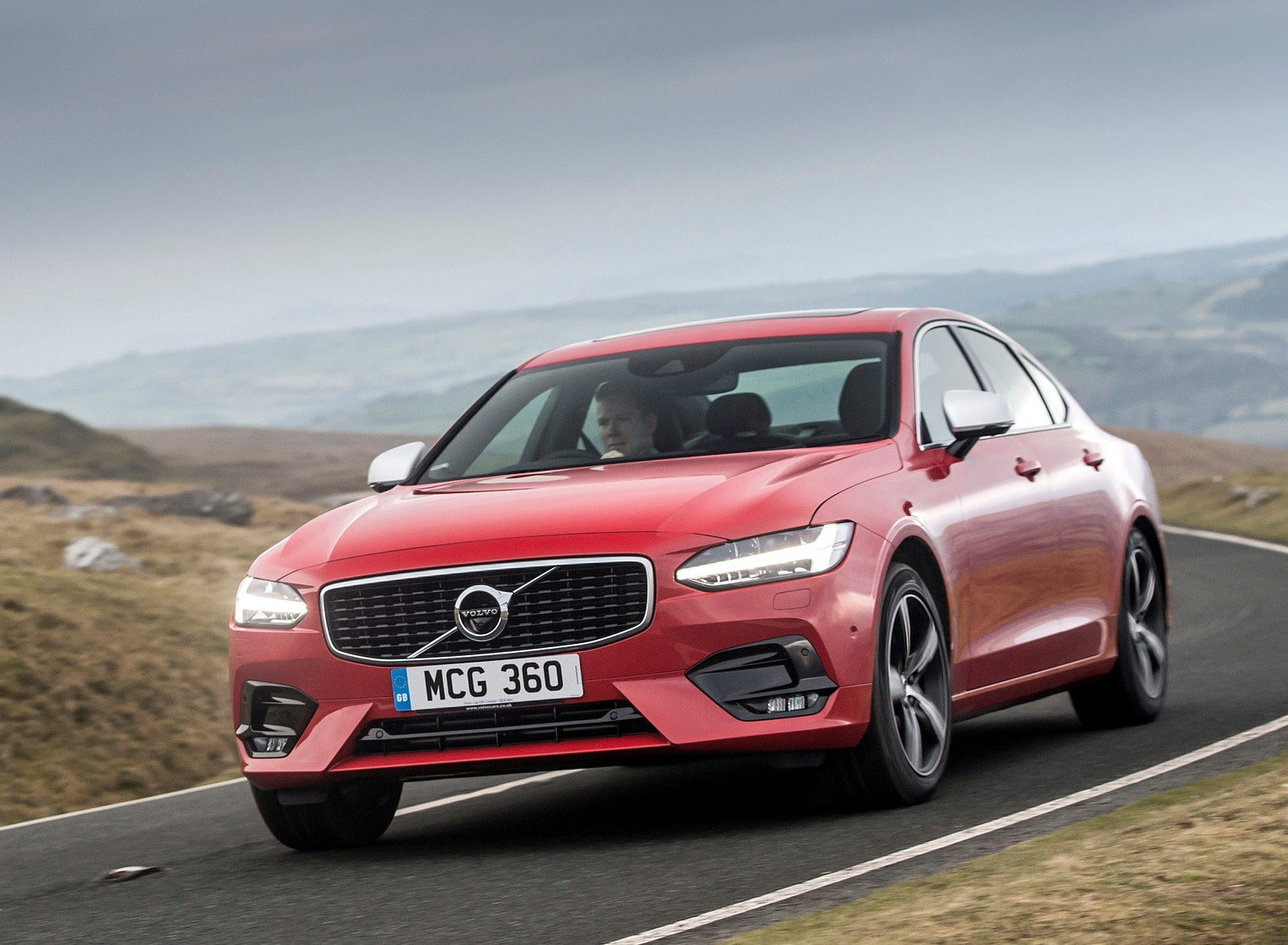 2019 Volvo S90 D5 Front Three-Quarter Wallpapers (3)