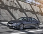 2020 BMW 330e Plug-in Hybrid Front Three-Quarter Wallpapers 150x120 (27)