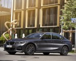 2020 BMW 330e Plug-in Hybrid Front Three-Quarter Wallpapers 150x120 (41)