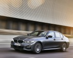2020 BMW 330e Plug-in Hybrid Front Three-Quarter Wallpapers 150x120 (42)