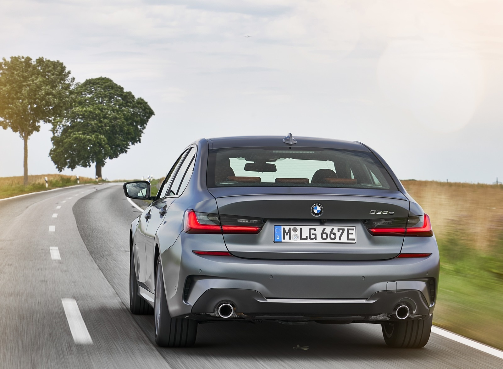 2020 BMW 330e Plug-in Hybrid Rear Wallpapers (11)
