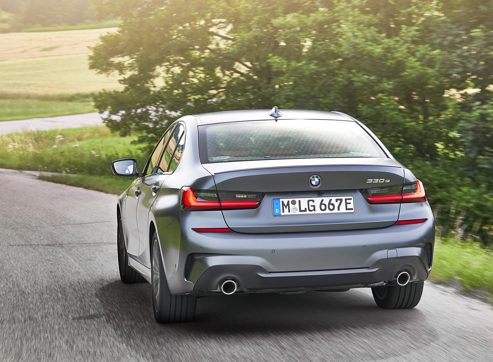 2020 BMW 330e Plug-in Hybrid Rear Wallpapers (14)