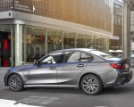 2020 BMW 330e Plug-in Hybrid Side Wallpapers 150x120 (36)