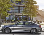 2020 BMW 330e Plug-in Hybrid Side Wallpapers 150x120 (50)