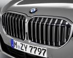 2020 BMW 7-Series 750Li Grill Wallpaper 150x120 (28)